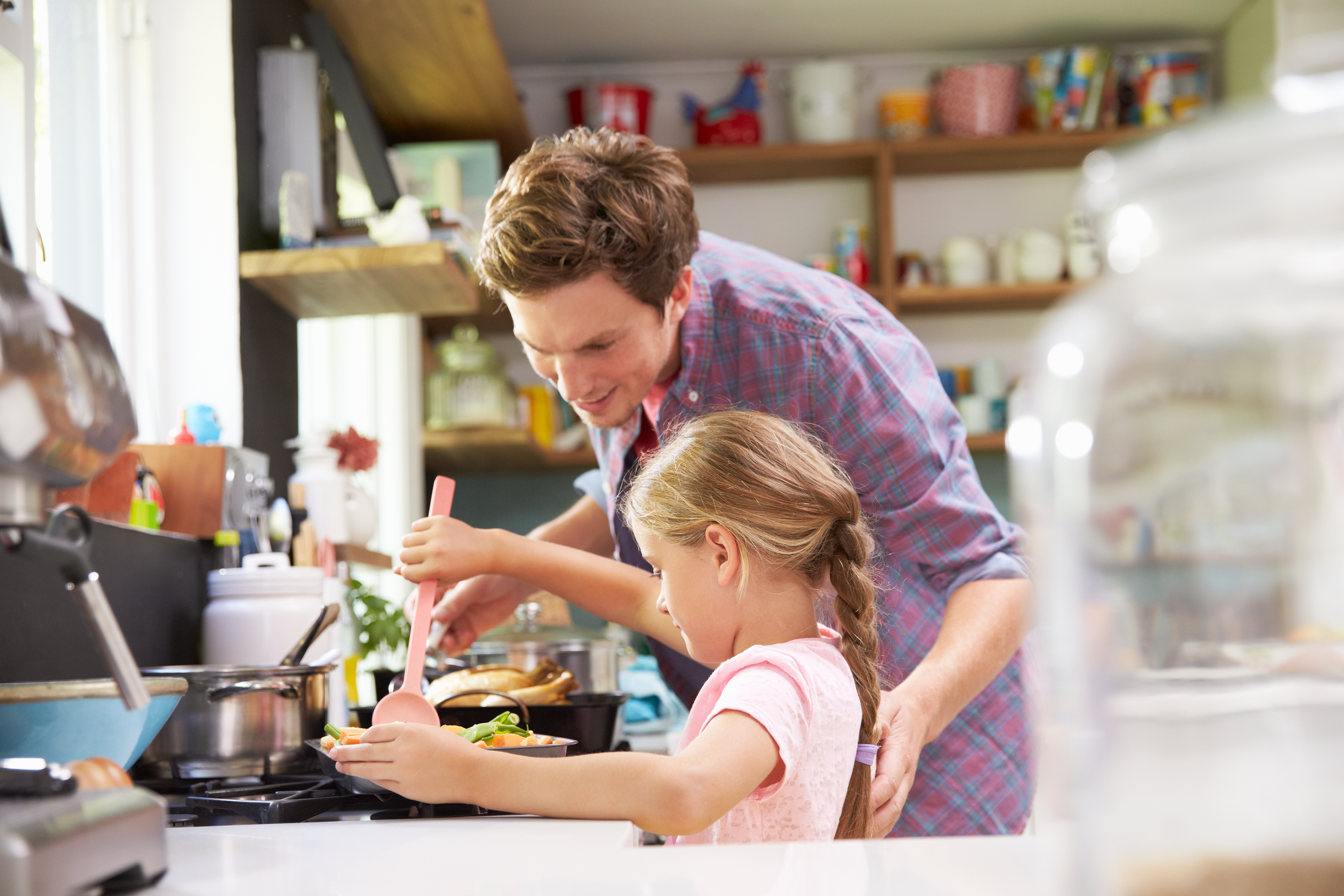 How to Teach Your Kids to Cook (With Printable)